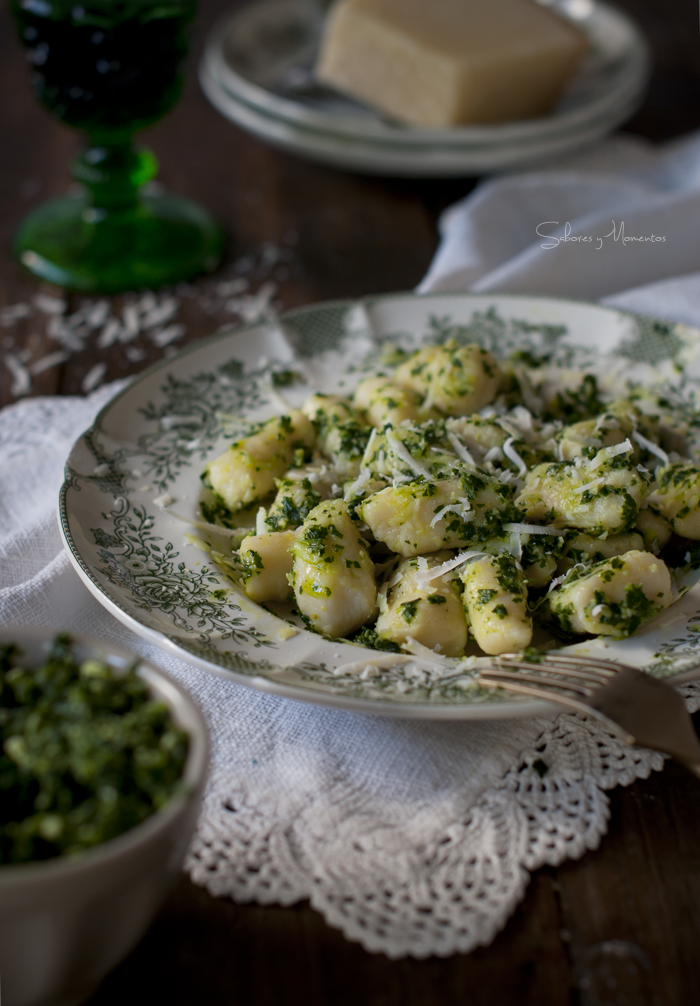 Gnocchis-de-patatas-con-pesto