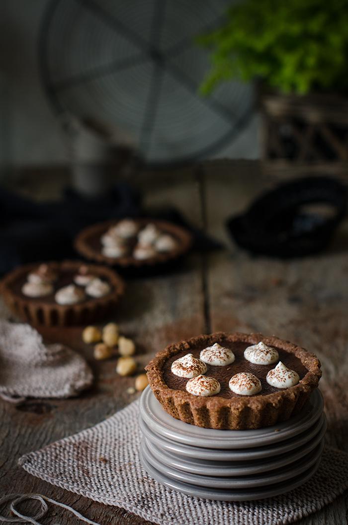 Tarta de chocolate, avellanas y crema de whisky