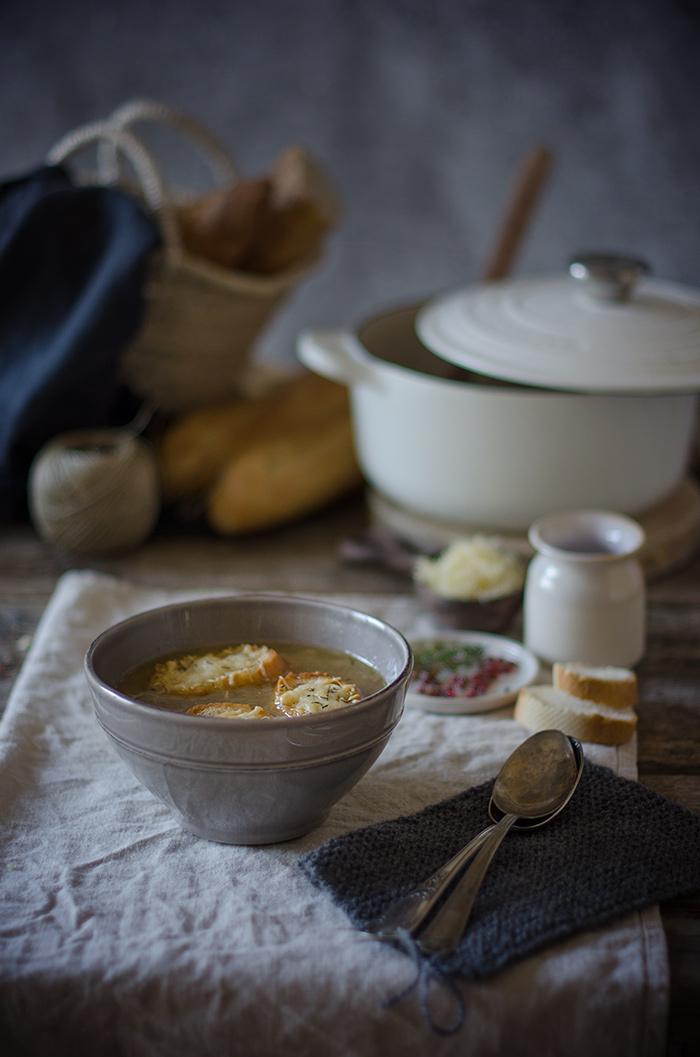 Sopa-de-cebolla-gratinada
