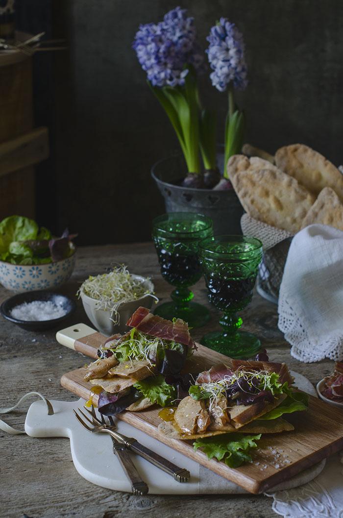 Ensalada de Foie con Jamón ibérico y vinagreta de Balsámico