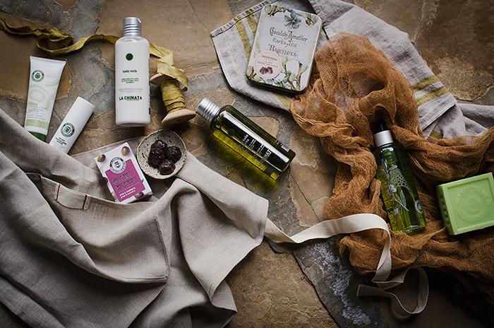 Bombones, un delantal de lino, productos de belleza... Welcome gift!!
