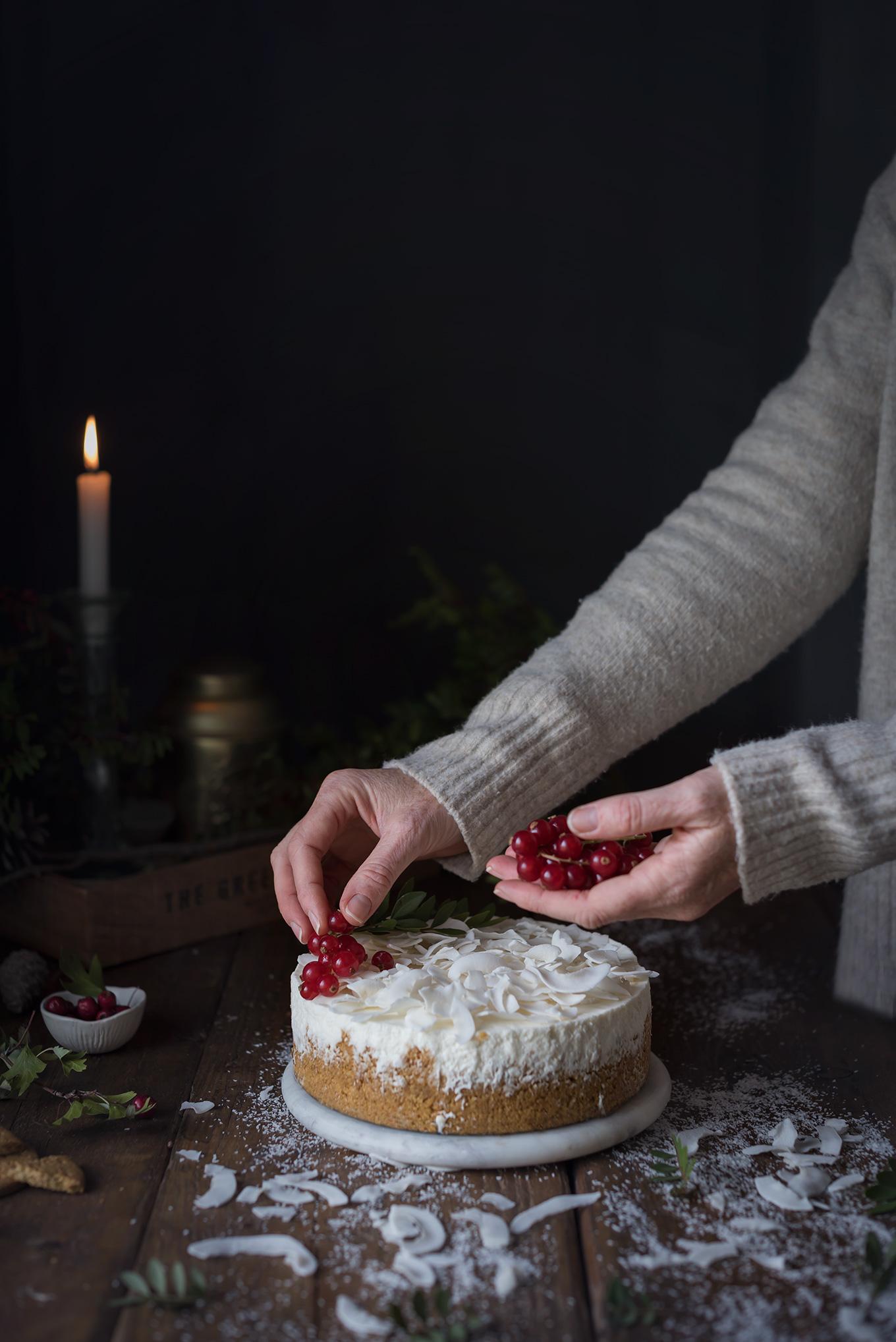 Decoración de la tarta de coco fría