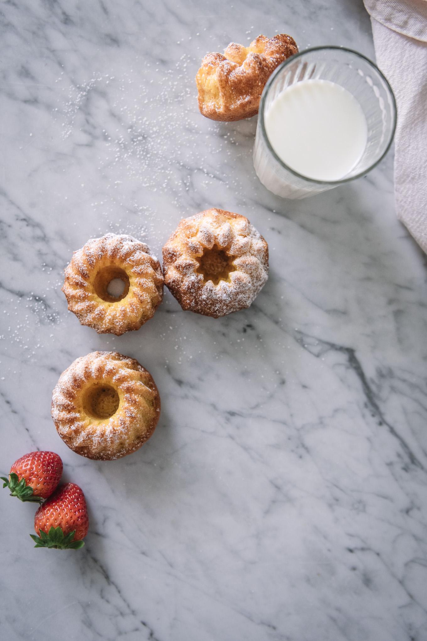 Mini bundt cakes de fresa y mandarina